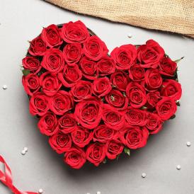 Rosy Romance - Heart Shape Flowers Online - Proflowers.pk