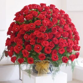 150 Red Rose Flowers Kisses | send free valentines day flowers Pakistan