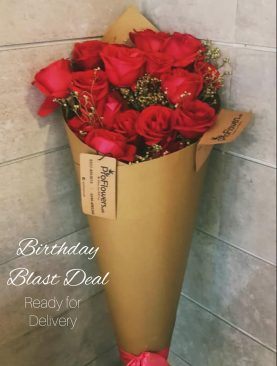 12 Birthday Roses