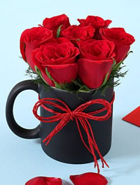 RED ROSES WITH BLACK MUG